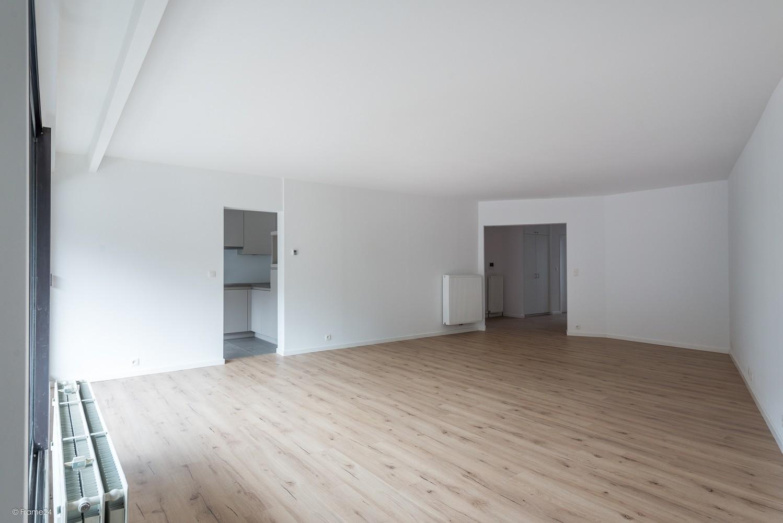 Volledig vernieuwd appartement (+/- 100 m²) met 2 slaapkamers en 2 terrassen te Deurne! afbeelding 5