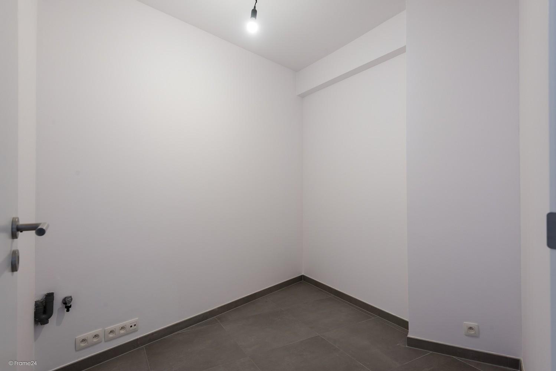 Volledig vernieuwd appartement (+/- 100 m²) met 2 slaapkamers en 2 terrassen te Deurne! afbeelding 11