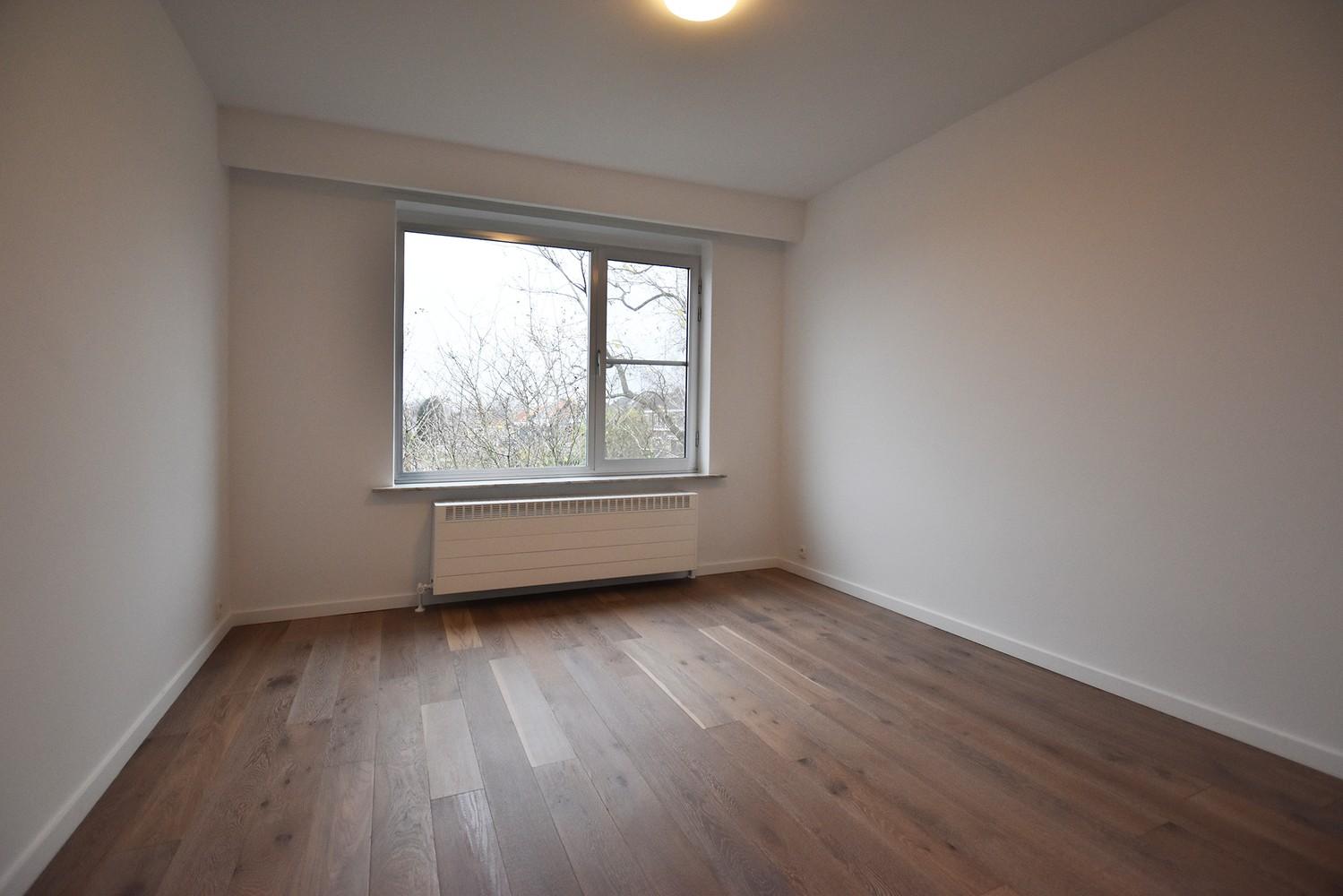 Volledig gerenoveerd en ruim appartement in het centrum van Wijnegem! afbeelding 7