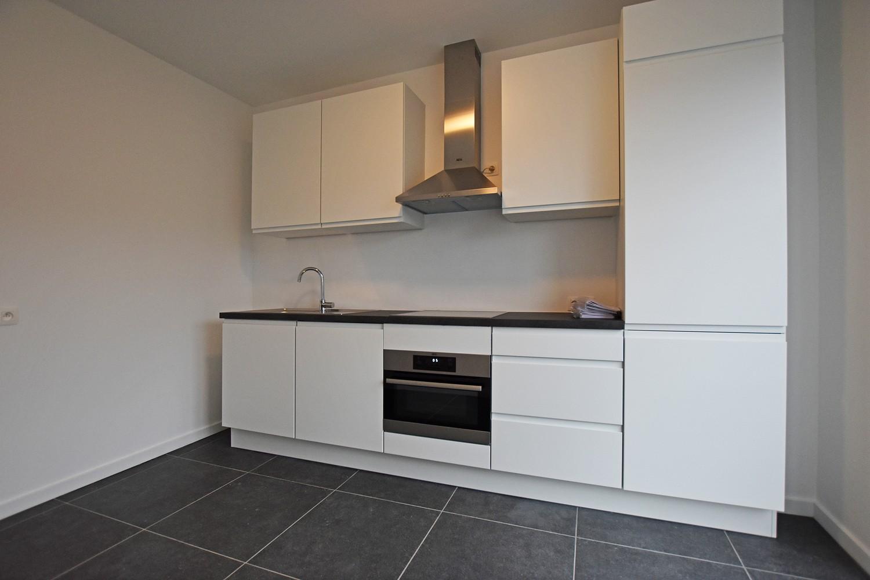 Volledig gerenoveerd en ruim appartement in het centrum van Wijnegem! afbeelding 4