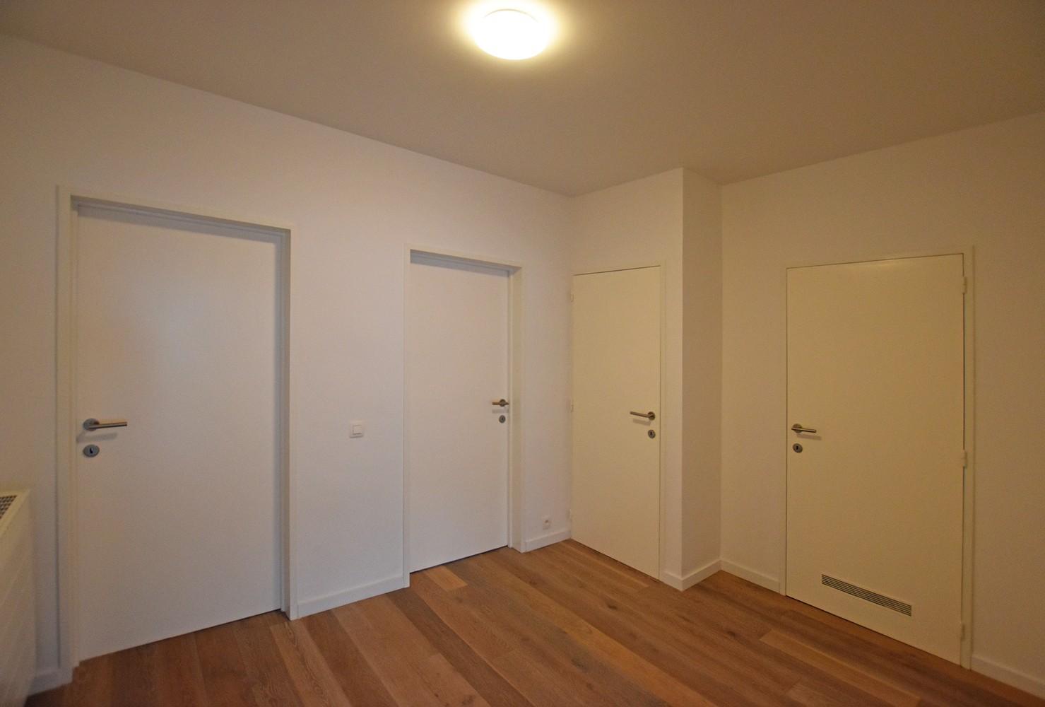 Volledig gerenoveerd en ruim appartement in het centrum van Wijnegem! afbeelding 5