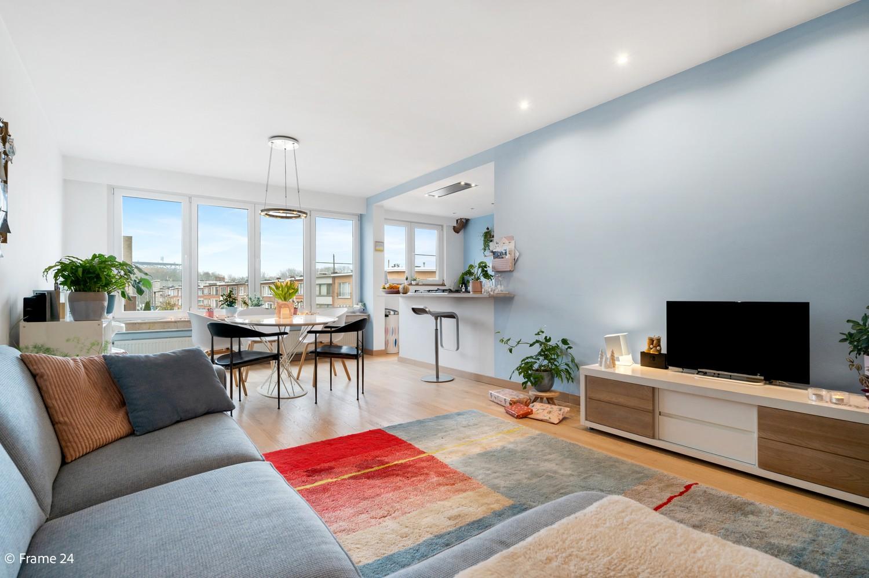 Zeer mooi appartement met 2 slaapkamers en terras te Deurne afbeelding 2