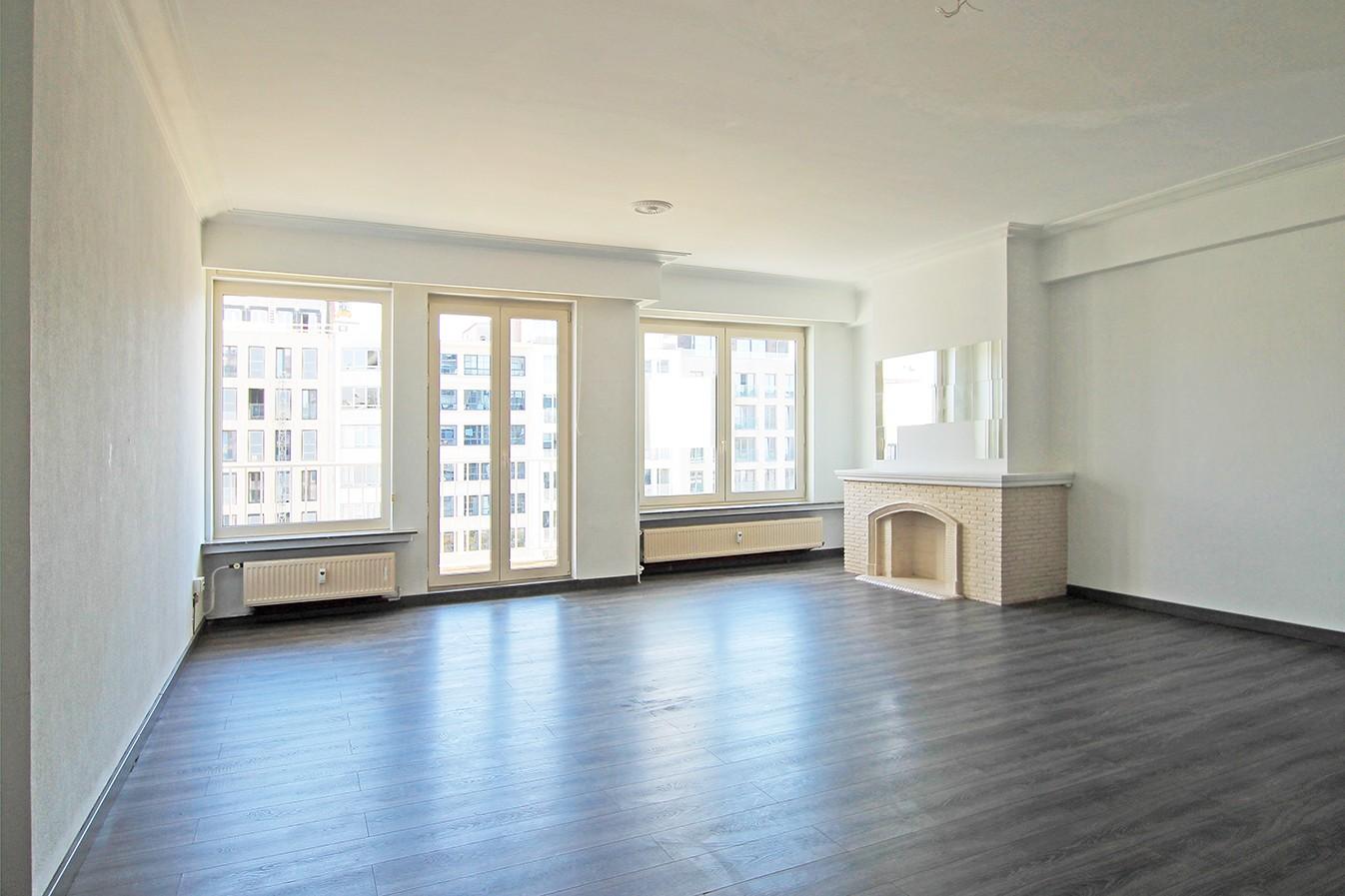 Leuk appartement met twee slaapkamers & lift op een centrale locatie! afbeelding 1