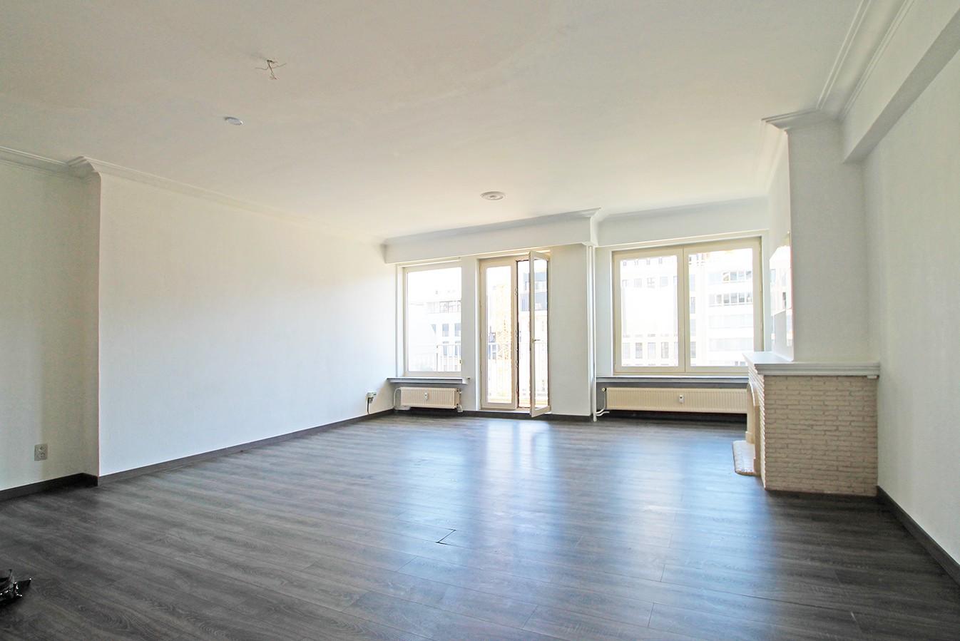 Leuk appartement met twee slaapkamers & lift op een centrale locatie! afbeelding 3