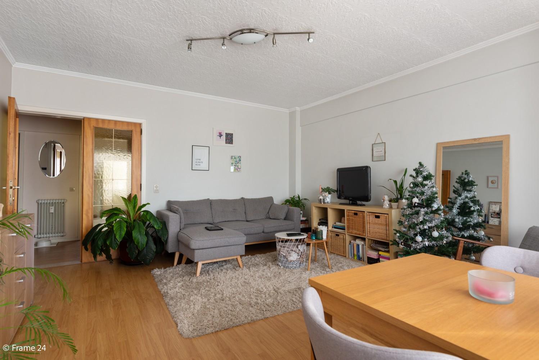 Instapklaar appartement met twee slaapkamers en terras te Merksem! afbeelding 9