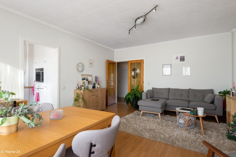 Instapklaar appartement met twee slaapkamers en terras te Merksem! afbeelding 8