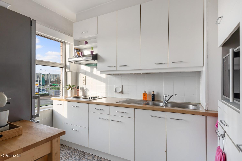 Instapklaar appartement met twee slaapkamers en terras te Merksem! afbeelding 5
