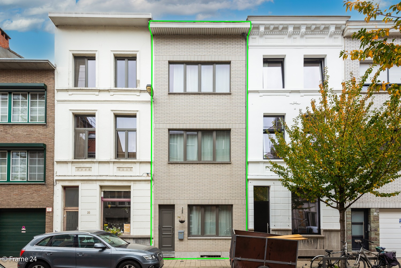 Ruime eengezinswoning (155 m²) met 4 slaapkamers op centrale ligging te Borgerhout! afbeelding 1