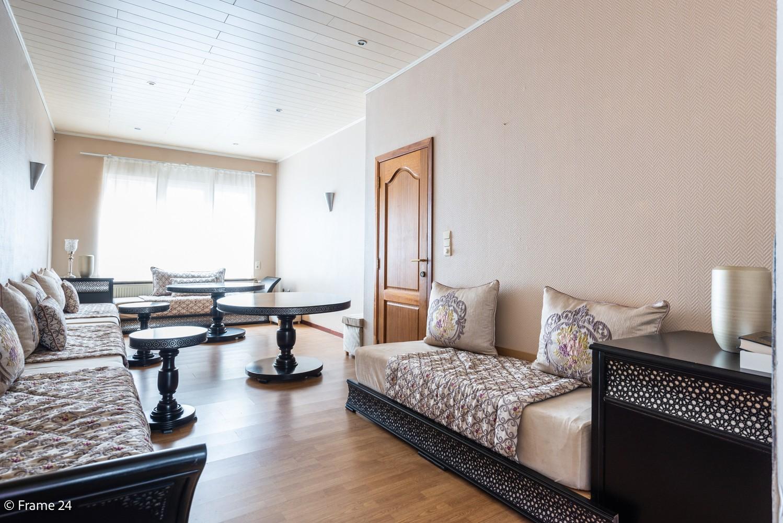 Ruime eengezinswoning (155 m²) met 4 slaapkamers op centrale ligging te Borgerhout! afbeelding 3