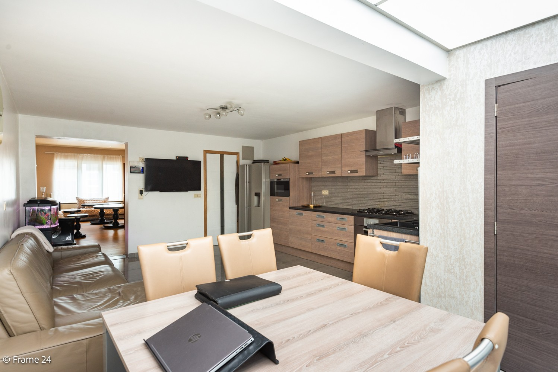 Ruime eengezinswoning (155 m²) met 4 slaapkamers op centrale ligging te Borgerhout! afbeelding 8