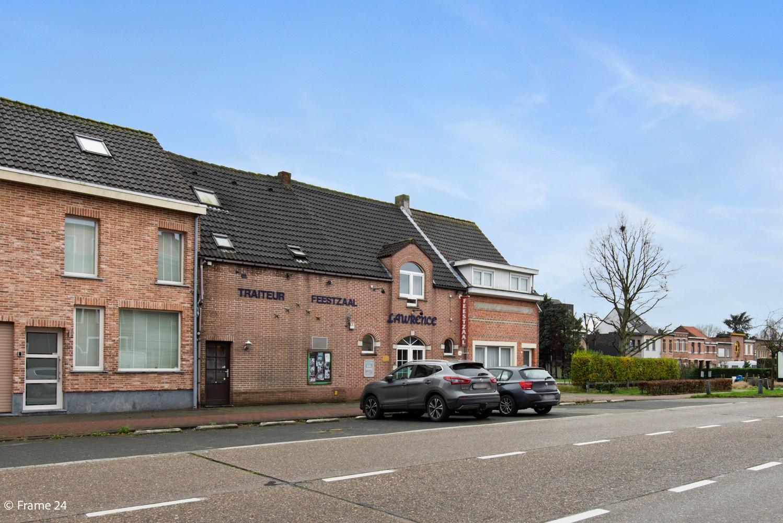 Commercieel gebouw (415m²) met handelsruimte & woonst op gunstige locatie in Wijnegem! afbeelding 23