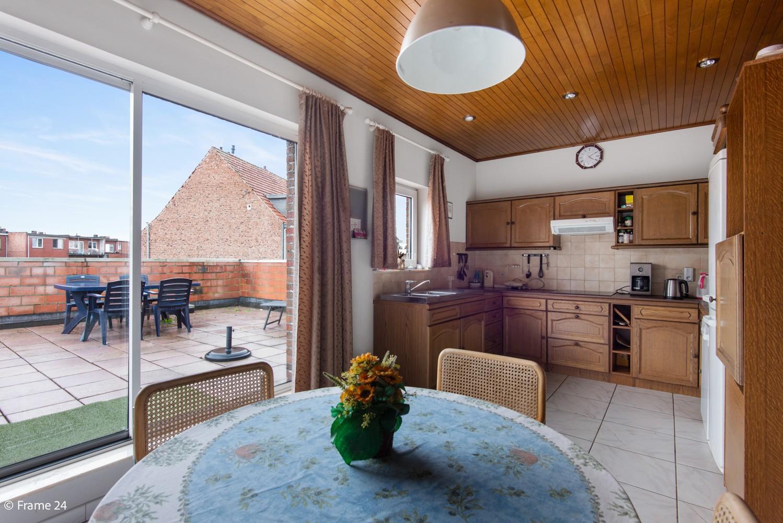 Commercieel gebouw (415m²) met handelsruimte & woonst op gunstige locatie in Wijnegem! afbeelding 17