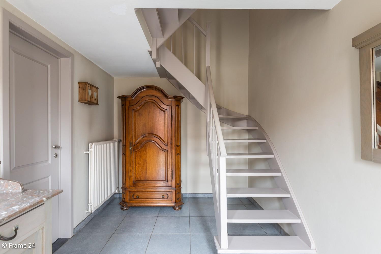 Ruime, op te frissen bel-étage met 3 slaapkamers, tuin én terras in Wommelgem! afbeelding 17