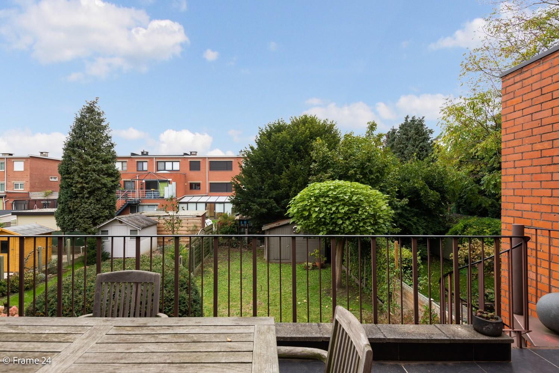Ruime, op te frissen bel-étage met 3 slaapkamers, tuin én terras in Wommelgem! afbeelding 1