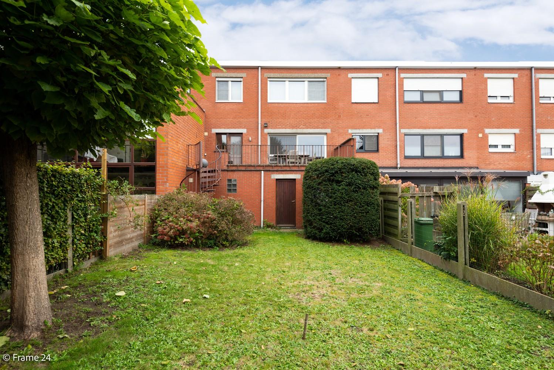 Ruime, op te frissen bel-étage met 3 slaapkamers, tuin én terras in Wommelgem! afbeelding 2