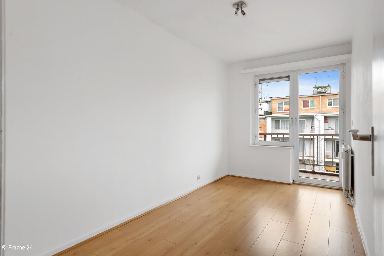 Zeer verzorgd appartement met twee slaapkamers, terras én lift te Deurne! afbeelding 10