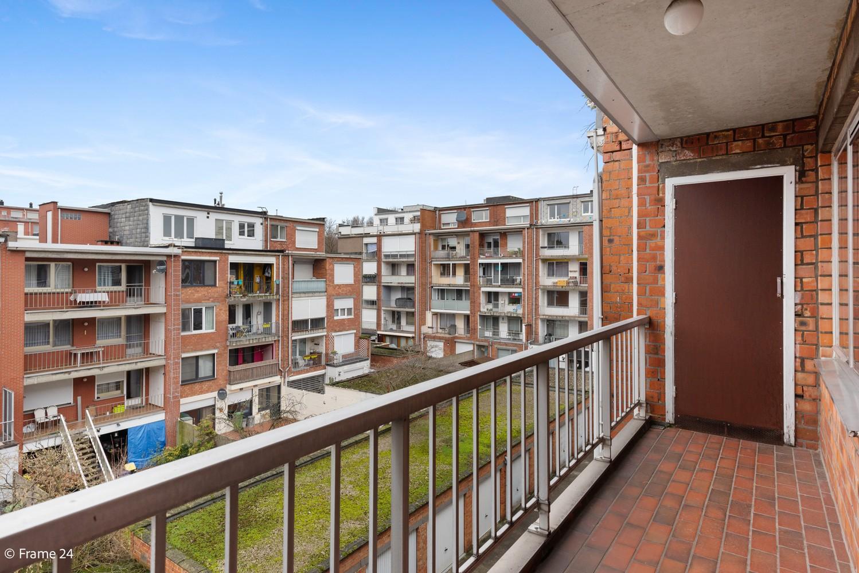 Zeer verzorgd appartement met twee slaapkamers, terras én lift te Deurne! afbeelding 13