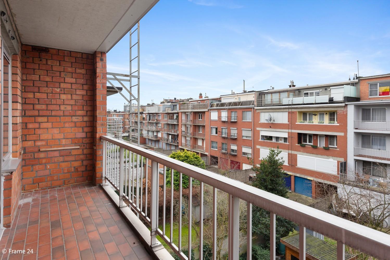 Zeer verzorgd appartement met twee slaapkamers, terras én lift te Deurne! afbeelding 14
