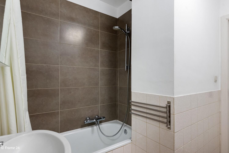 Zeer verzorgd appartement met twee slaapkamers, terras én lift te Deurne! afbeelding 12