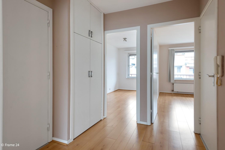Zeer verzorgd appartement met twee slaapkamers, terras én lift te Deurne! afbeelding 8
