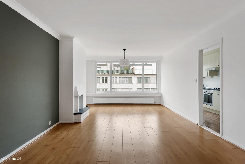 Zeer verzorgd appartement met twee slaapkamers, terras én lift te Deurne! afbeelding 2