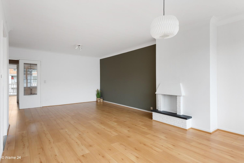 Zeer verzorgd appartement met twee slaapkamers, terras én lift te Deurne! afbeelding 3