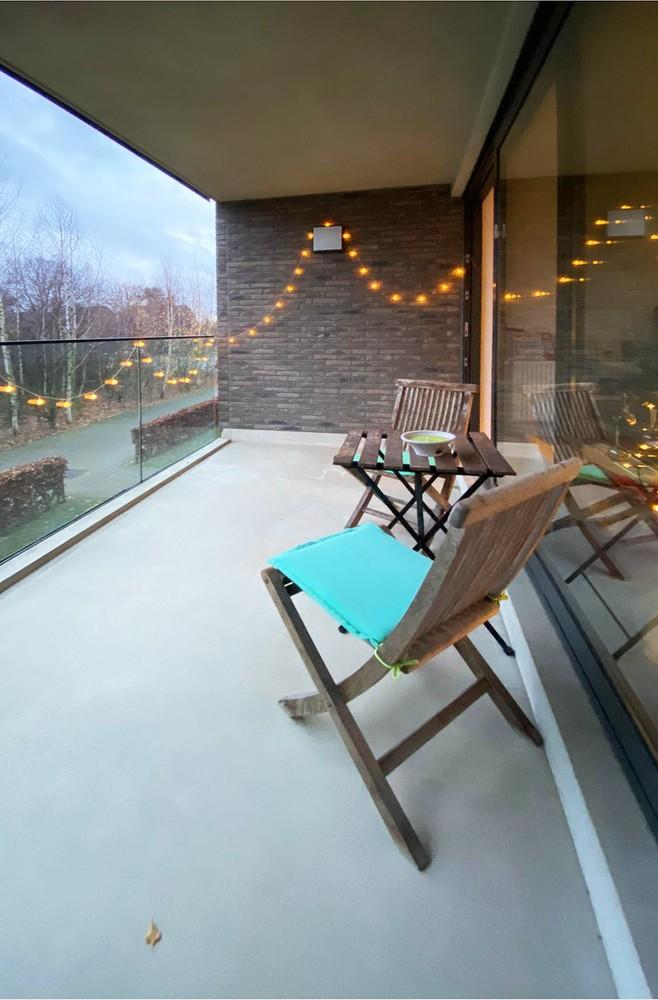 Modern en recent appartement met twee slaapkamers en terras te Wijnegem! afbeelding 2