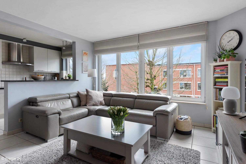 Mooi, lichtrijk appartement (85m²) met 2 slaapkamers & terras in Deurne! afbeelding 4