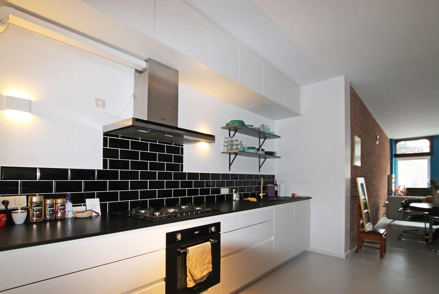 Vernieuwd en hedendaags appartement met twee slaapkamers aan het Eilandje! afbeelding 4