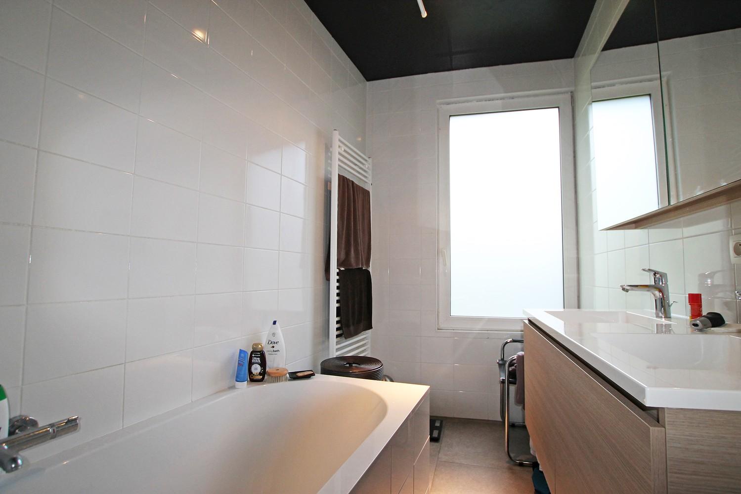 Vernieuwd en hedendaags appartement met twee slaapkamers aan het Eilandje! afbeelding 10