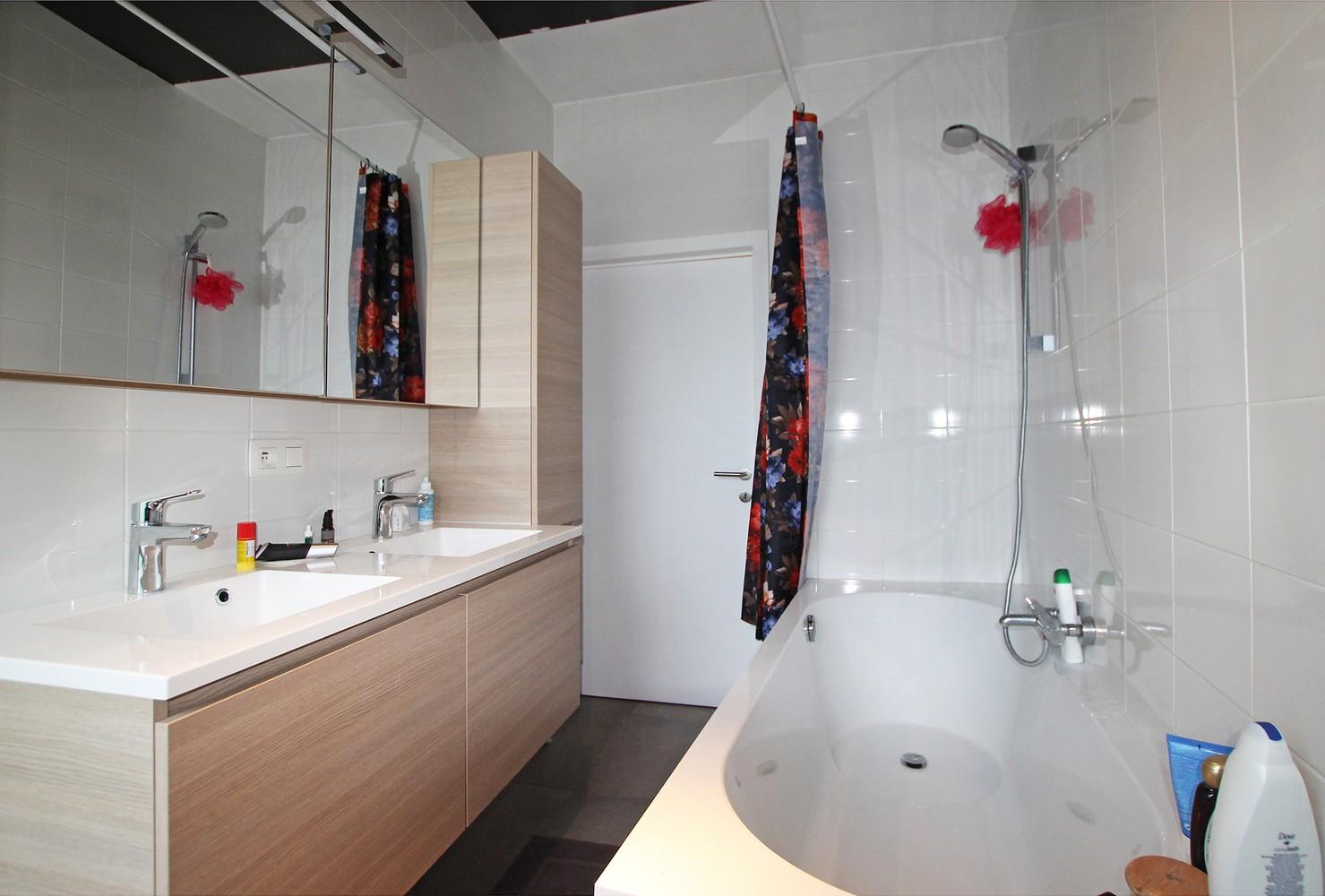 Vernieuwd en hedendaags appartement met twee slaapkamers aan het Eilandje! afbeelding 11