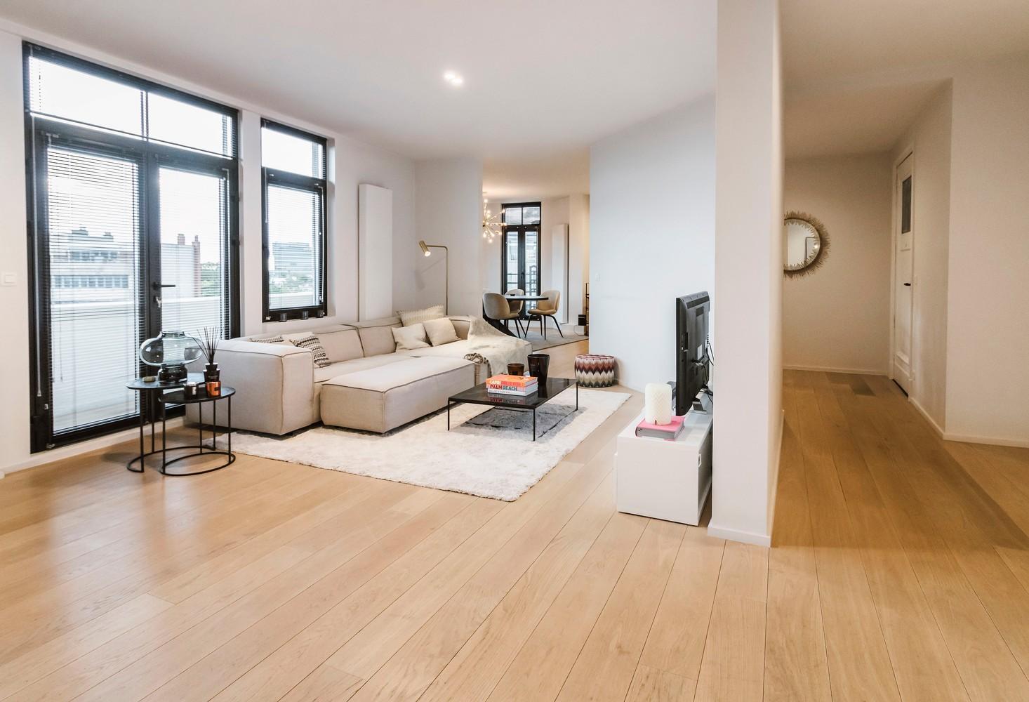 Luxueus gerenoveerde penthouse (230 m²) op uitstekende ligging te Antwerpen! afbeelding 2