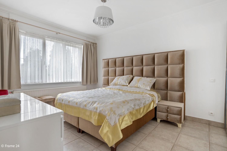 Verzorgde ééngezinswoning met twee slaapkamers en tuin te Berchem! afbeelding 13