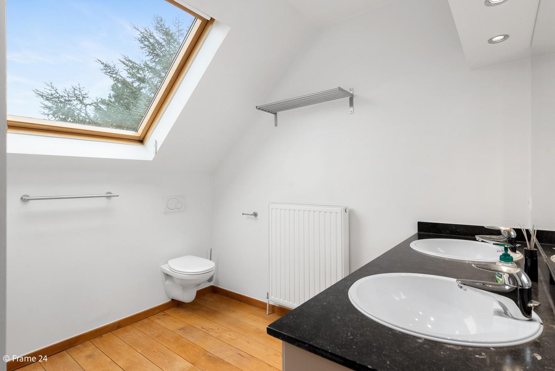 Prachtige en riante penthouse met twee slaapkamers te Kapellen! afbeelding 11
