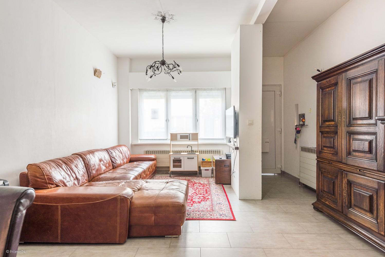 Ruim triplex-appartement met 6 à 7 slpks in centrum Schoten! afbeelding 4