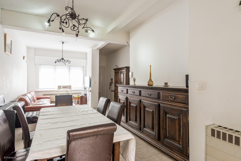 Ruim triplex-appartement met 6 à 7 slpks in centrum Schoten! afbeelding 5