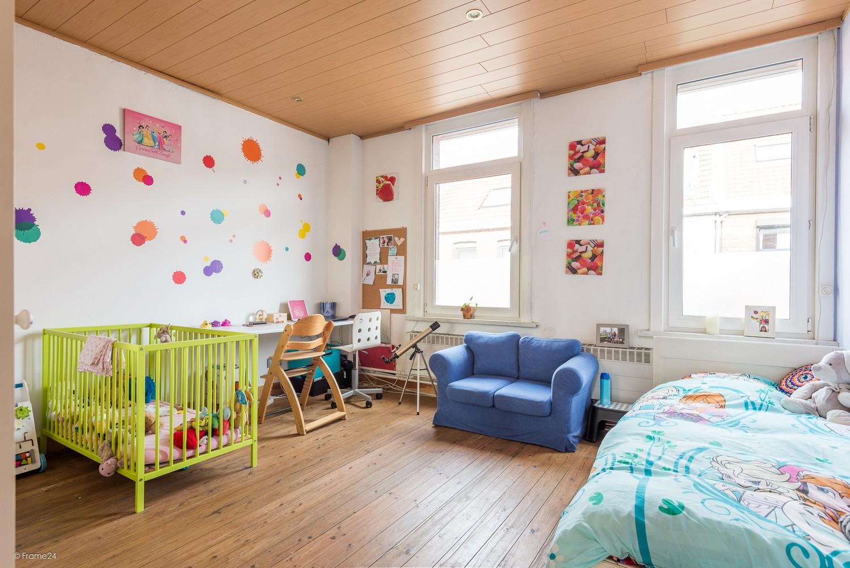 Ruim triplex-appartement met 6 à 7 slpks in centrum Schoten! afbeelding 10