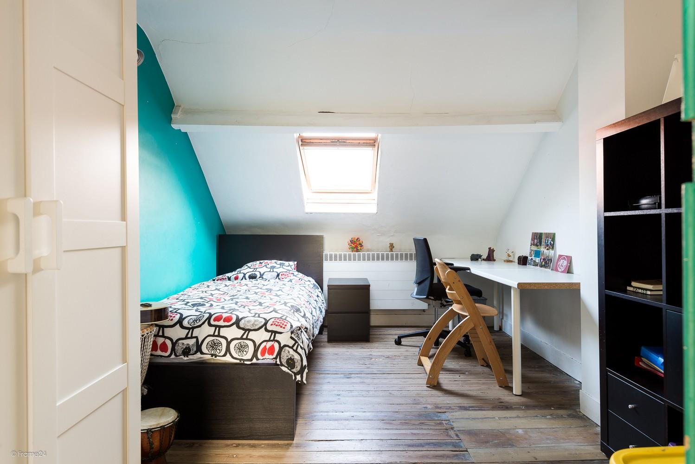 Ruim triplex-appartement met 6 à 7 slpks in centrum Schoten! afbeelding 17