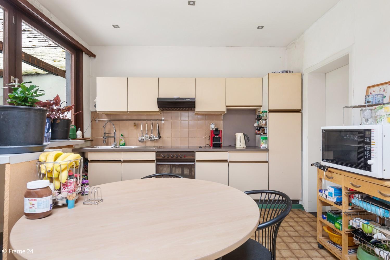 Op te frissen woning met veel potentieel, 3 slaapkamers en grote tuin in Ekeren! afbeelding 8