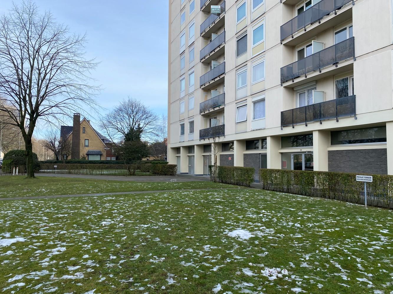 Lichtrijk, bemeubeld en ruim appartement met 2 slaapkamers & een uniek uitzicht over Antwerpen! afbeelding 4