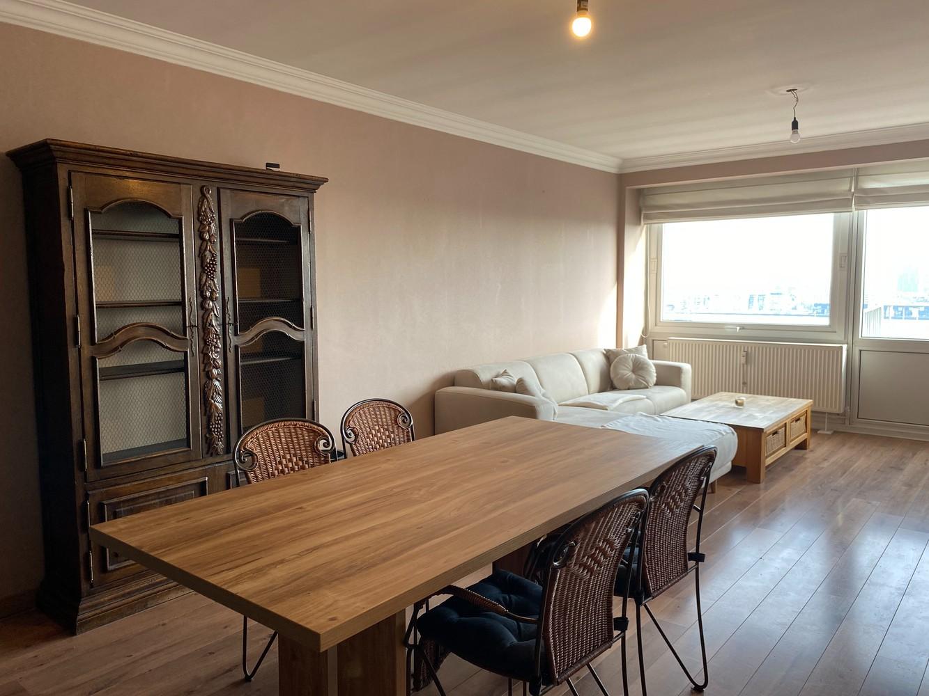 Lichtrijk, bemeubeld en ruim appartement met 2 slaapkamers & een uniek uitzicht over Antwerpen! afbeelding 6