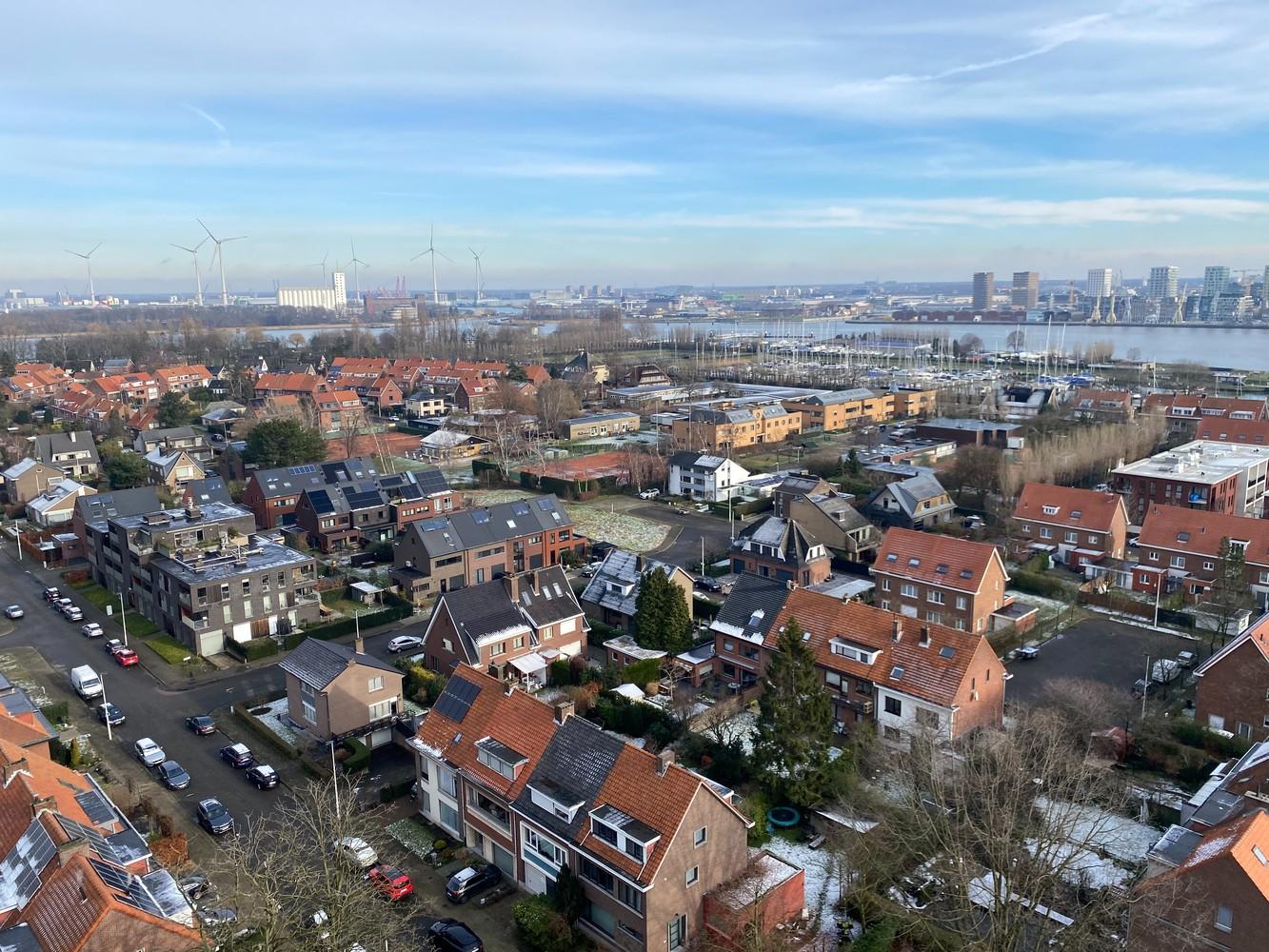 Lichtrijk, bemeubeld en ruim appartement met 2 slaapkamers & een uniek uitzicht over Antwerpen! afbeelding 20