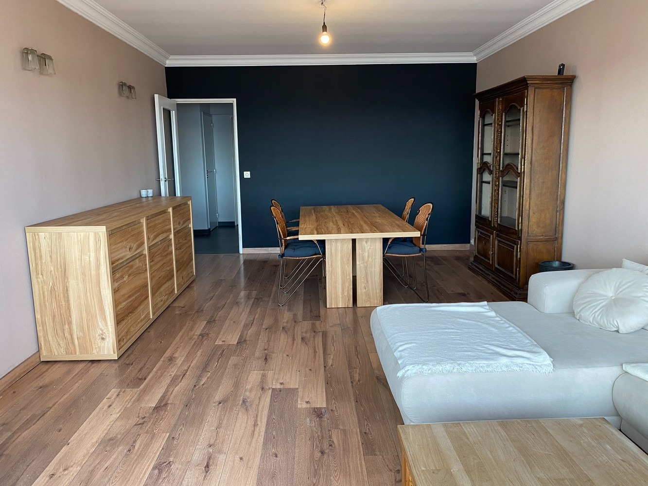Lichtrijk, bemeubeld en ruim appartement met 2 slaapkamers & een uniek uitzicht over Antwerpen! afbeelding 5
