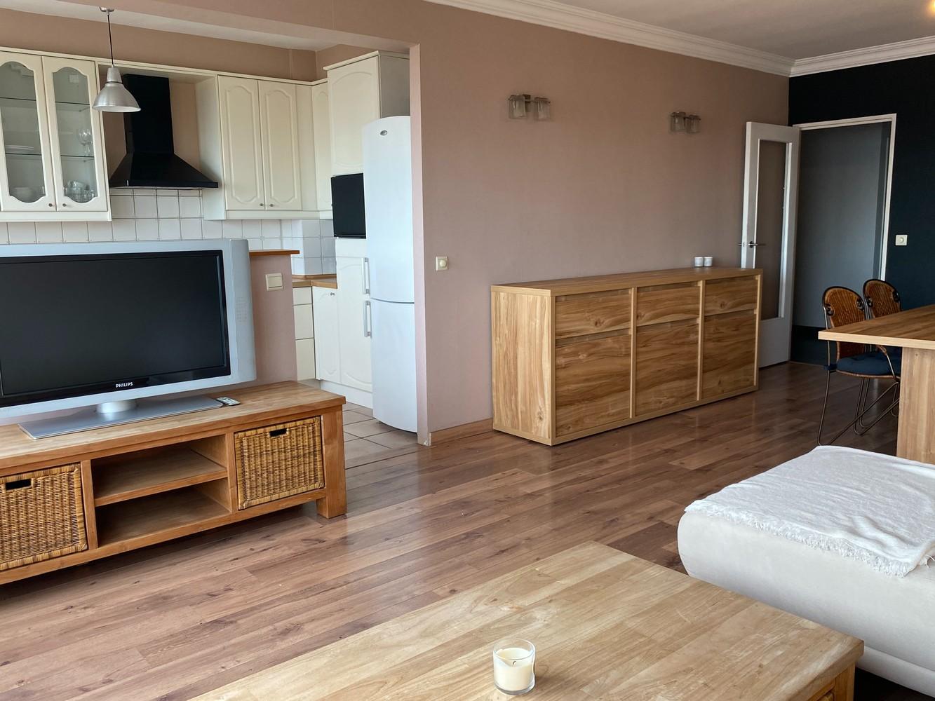 Lichtrijk, bemeubeld en ruim appartement met 2 slaapkamers & een uniek uitzicht over Antwerpen! afbeelding 7