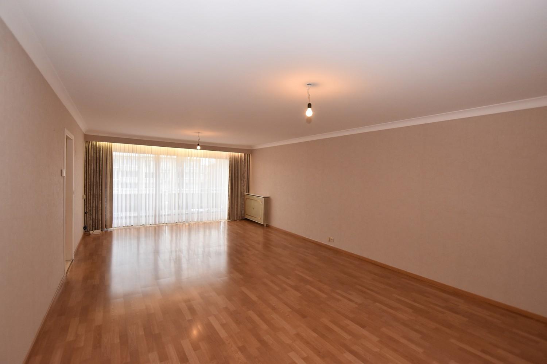 Verzorgd appartement met twee slaapkamers en twee terrassen te Deurne! afbeelding 1