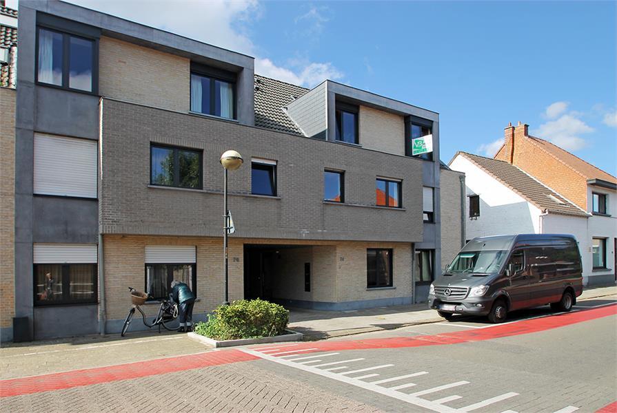 Instapklaar duplexappartement met drie slaapkamers en leuk terras te Schilde! afbeelding 1