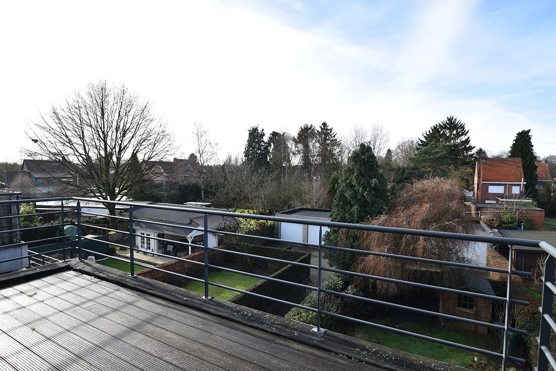 Instapklaar duplexappartement met drie slaapkamers en leuk terras te Schilde! afbeelding 2