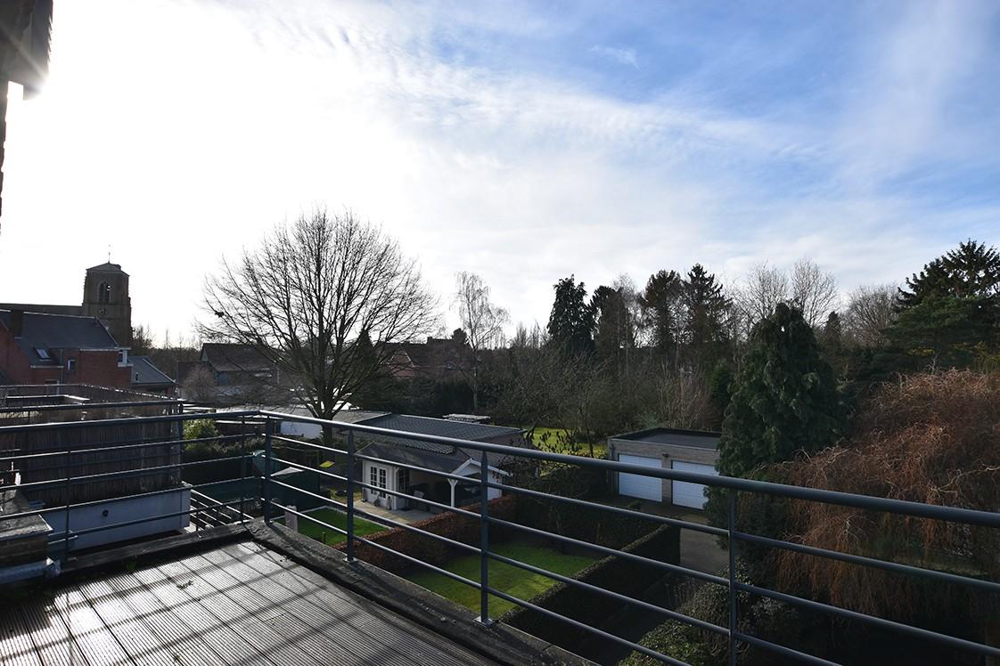Instapklaar duplexappartement met drie slaapkamers en leuk terras te Schilde! afbeelding 17
