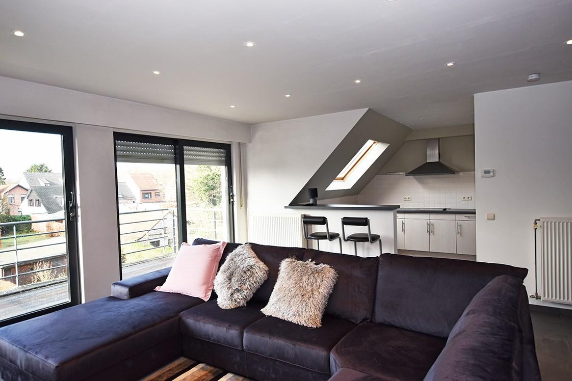 Instapklaar duplexappartement met drie slaapkamers en leuk terras te Schilde! afbeelding 3