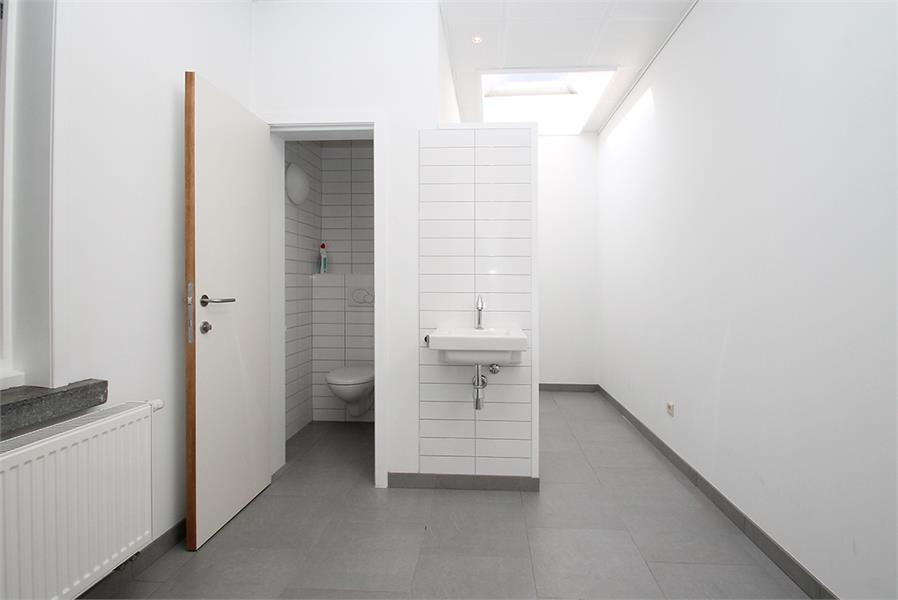 Kantoorruimte op zeer goede locatie te Wijnegem! afbeelding 5